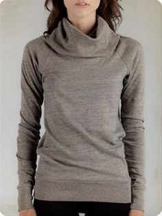 isn't this one of the most comfy looking sweaters you've ever seen?!?!?! ...and it's super cute too!