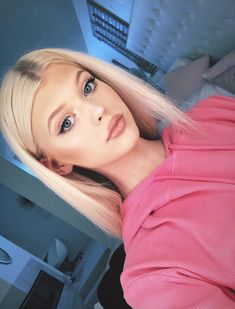 Loren Gray uploaded by Andrea Elizabeth on We Heart It Loren Gray Snapchat, Polo Outfits For Women, Natural Makeup For Blondes, Long Hair With Bangs, Hot Selfies, Healthy People 2020 Goals, Beauty Women, Pretty Girls, Fashion Beauty