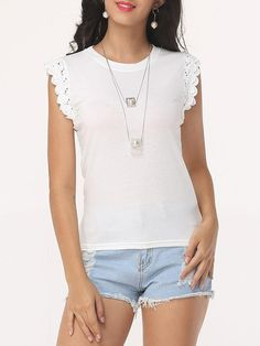 Plain round neck sleeveless t-shirt blusas Blouses For Women, T Shirts For Women, Simple Shirts, Blouse Online, Casual Summer Outfits, Blouse Styles, Fashion 2017, Shirt Blouses, Going Out
