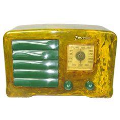 1938 Emerson AX-235 Catalin Bakelite Radio Green on Green