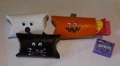 Recycled Favor Boxes- Use all those toilet paper rolls, that you have been saving for no particular reason, to create this cute Halloween party favor.