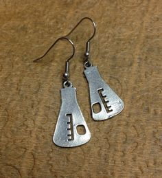 Chemistry love! Show off your love of all things geek, science and awesome (theyre synonymous) with these fabulous flask earrings! Great for