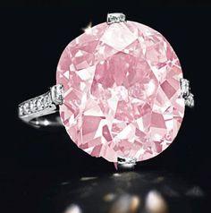 A belle epoque cushion-cut vivid purplish pink 9-carat diamond ring by Dreicer…