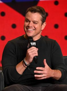 Matt Damon at an event for Suburbicon Hollywood Actor, Hollywood Actresses, Actors & Actresses, Ben And Casey Affleck, Ben Casey, The Expendables, Matt Damon, Jason Statham, Jackie Chan