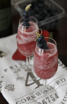 Get your brunch on with these Very Berry Bellinis