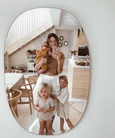 kalabalık mutlu aile family # Parenting goals Front Roe by Louise Roe - Cute Family, Baby Family, Family Goals, Family Kids, Mom And Baby, Mommy And Me, Cute Kids, Cute Babies, Future Mom