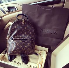 Womens Fashion Louis Vuitton Handbags 2019 New LV Handbags Outlet Deals Sale Lowest Price From Here. Chanel Handbags, Louis Vuitton Handbags, Fashion Handbags, Purses And Handbags, Louis Vuitton Monogram, Designer Handbags, Fashion Purses, Chanel Tote, Vuitton Bag