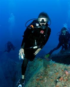 Senior Editor at Sport Diver Magazine, Tara Bradley, is also a PADI Divemaster who wanted to combine her love for diving with photo and video. bit.ly/17W1OSM