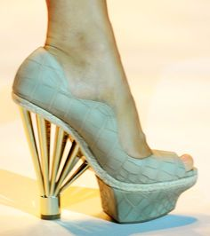 point heel