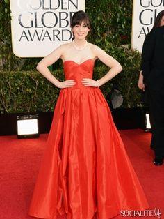 Zooey Dechanel in Oscar de la Renta at the 2013 Golden Globes. Just amazing!!