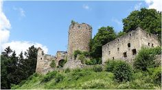 Burgruine Prandegg Castles, Medieval, Germany, Mansions, House Styles, Wonders Of The World, Ruins, Vacation Travel, Chateaus