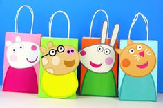 Peppa Pig Friends Favor Bag Decorate your Peppa Pig Party with these Peppa's adorable friends on your Favor Bags. You may print as many as you need and use them to create your own favor bags or centerpieces. Pig Birthday Cakes, 3rd Birthday Parties, Birthday Party Decorations, 2nd Birthday, Peppa Pig Birthday Ideas, George Pig Party, Rebecca Rabbit, Cumple Peppa Pig, Pig Crafts
