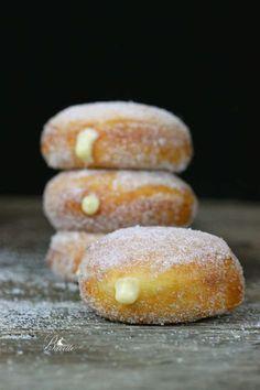 Donuts rellenos de crema
