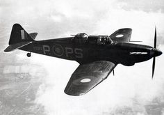 A night fighting Defiant, painted in all black. In this role the Defiant truly proved its worth, claiming more German kills than any other British night fighter during the London Blitz. Ww2 Aircraft, Fighter Aircraft, Aircraft Carrier, Military Aircraft, Fighter Jets, Raf Bases, Bomber Plane, Aircraft Painting, Ww2 Planes