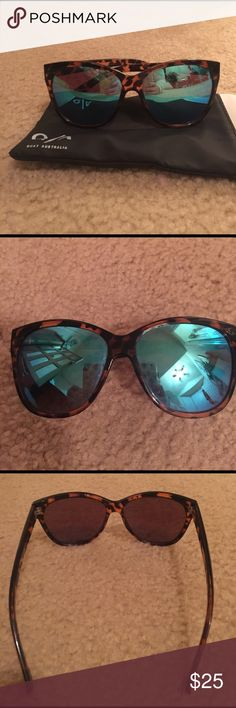 Quay Australia oversized mirrored sunglasses Tortoise frames with blue mirrored lenses. Excellent condition gently used. Arms are still very tight ! Quay Australia Accessories Sunglasses