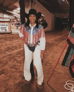 Cowgirl Look, Black Cowgirl, Black Cowboys, Cowboy And Cowgirl, Country Outfits, Country Girls, Black Girl Riding, Equestrian Chic, Rodeo Life