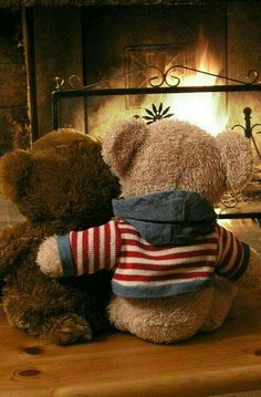 Find images and videos about winter, bear and teddy on We Heart It - the app to get lost in what you love. Tatty Teddy, Teddy Bear Hug, Teddy Day, Knitted Teddy Bear, Cute Teddy Bears, Bear Wallpaper, Disney Wallpaper, Ours Boyds, Photo Ours