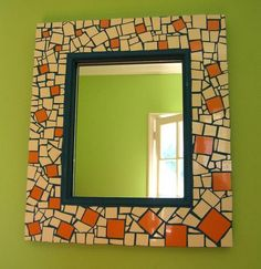 Espejo Mirror Mosaic, Mosaic Art, Mosaic Projects, Diy Projects To Try, Stained Glass, Tiles, Flora, Decorative Plates, Frame
