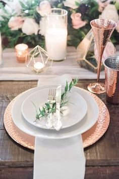 Gorgeous Geometric Metallic Infused Nashville Wedding 2019 Rose Gold Metallic Place Setting with Greenery Sprig // geometric centerpiece tablescape wedding < The post Gorgeous Geometric Metallic Infused Nashville Wedding 2019 appeared first on Metal Diy. Table D'or, Rose Gold Table, Gold Table Decor, Gold Wedding Decorations, Copper Wedding Decor, Wedding Ideas, Decor Wedding, Metallic Wedding Theme, Table Decorations