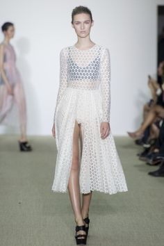 Sfilata Giambattista Valli Paris - Collezioni Primavera Estate 2014 - Vogue