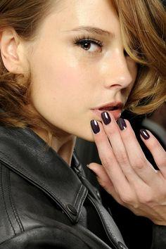 Dewy skin / glowing / Nail polish at Christian Dior Haute Couture, Spring Plum Nails, Dark Nails, Purple Nails, Christian Dior, Beauty Makeup, Hair Makeup, Hair Beauty, Eye Makeup, Fashion Tag