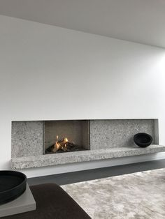 Awesome Contemporary Fireplace Design Ideas 33 (Awesome Contemporary Fireplace Design Ideas design ideas and photos Cheminée Contemporary Fireplace Designs, Contemporary Interior, Contemporary Architecture, Farmhouse Contemporary, Contemporary Office, Contemporary Landscape, Modern Wall, Decor Interior Design, Interior Decorating