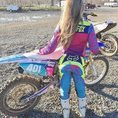 Motocross Love, Motocross Girls, Motocross Gear, Honda Dirt Bike, Dirt Bike Gear, Dirt Biking, Lady Biker, Biker Girl, Bike Photography