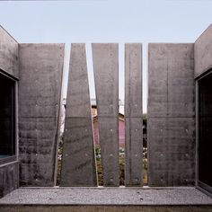 Slit House Exterior Modlar Com - Year Of Construction The Slit House Was Designed For An Year Old Woman And The Building Is Comprised Of Reinforced Concrete With Fenestrations Placed Strategically To Bring Light Into The In Concrete Facade, Concrete Architecture, Concrete Fence, Concrete Building, Exposed Concrete, Architecture Details, Brick Fence, Glass Fence, Fence Stain