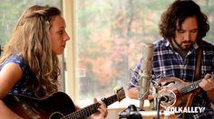 "Folk Alley Sessions: Mandolin Orange - ""Until the Last Light Fades"" Sawyer Fredericks, Americana Music, Bluegrass Music, Soundtrack To My Life, Folk Music, Mandolin, New Music, Folk"