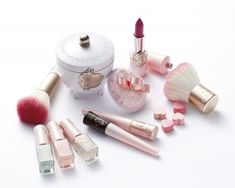ETUDE HOUSE Etoinette Collection - This brand isn't available in the states yet but their packaging is amaze-balls!