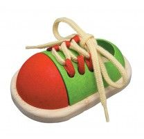 juguete de madera ata el zapato