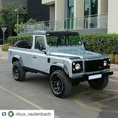 Land Rover Defender 110 Td5 pick-up. So nice style.