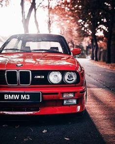 bmw classic cars and collectibles Bmw E30 M3, Suv Bmw, Bmw Cars, Bmw Series, Lamborghini, Ferrari, Automobile, Bmw Wallpapers, Bmw Autos