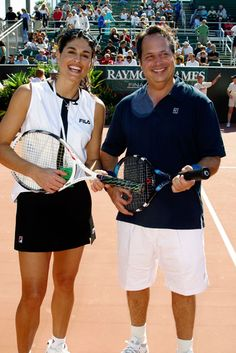 Gabriela Sabatini & Jon Lovitz // Aww I miss watching Gabby play Jon Lovitz, Tennis Stars, Famous People, Passion, Legs, Gabriela Sabatini, Bridge, Celebrities, Celebs