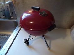8Toy Red Weber Charcoal Grill