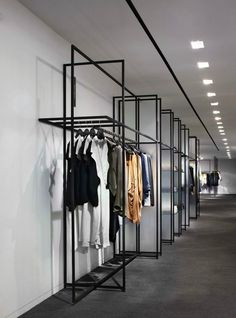Yabu Pushelberg : 5 retail design projects we love Boutique Interior, Boutique Design, Showroom Design, Shop Interior Design, Retail Store Design, Retail Shop, Commercial Design, Commercial Interiors, Store Concept
