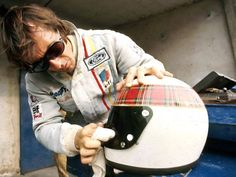 There's a wee fly on my helmet Jackie Stewart, F1 Motor, Vintage Helmet, Gilles Villeneuve, Racing Helmets, F1 Drivers, Racing Stripes, Automotive Art, Formula One