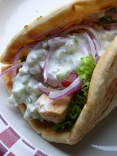 Basil, Chicken Gyros with Tzatziki Sauce Must try! I love gyros! I Love Food, Good Food, Yummy Food, Tasty, Chicken Gyros, Chicken Souvlaki Pita, Tzatziki Sauce, Cooking Recipes, Healthy Recipes
