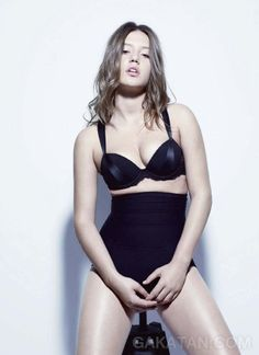 adele exarchopoulos | Adèle Exarchopoulos sexy dans Les inrocks 930 (photos)