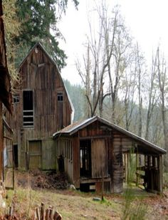 35+ Old Abandoned House That Are So Creepy Yet Interesting