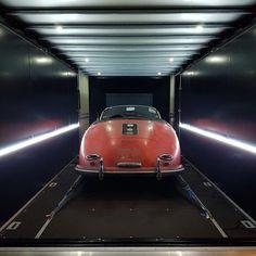 Waiting for Techno Classica #porsche356 #porschespeedster #automotivearcheologists #technoclassica #driveinstyle #drivetastefully #untouchedbeauty #speedster