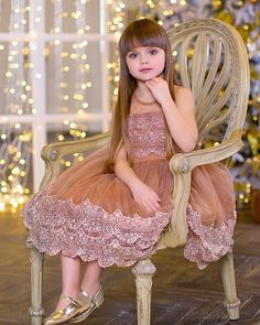 Cute Girl Dresses, Little Girl Dresses, Flower Girl Dresses, Kids Frocks, Frocks For Girls, Baby Girl Birthday Dress, Baby Dress, Baby Girl Fashion, Kids Fashion