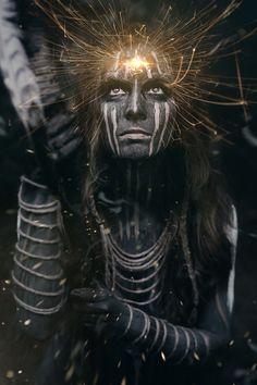 delires paranoides Fantasy Inspiration, Portrait Inspiration, Dark Beauty Magazine, Art Of Man, Fantasy Photography, Dark Gothic, Warrior Princess, Christian Art, Dark Fantasy