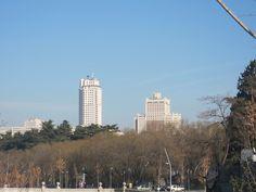 Edificio España y Torre de Madrid, desde Madrid Río. Madrid by voces, via Flickr