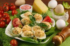 Jajka wielkanocne faszerowane szynką i serem