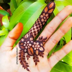 Latest Gorgeous Eid Mehndi Designs 2020 New Collection For Girls, The Holy month Ramzan Mubarak is coming for which Muslims are waiting with heart. After Ramzan the day of Eid is a beautiful gift for Muslims from Allah. Mehndi Designs Feet, Khafif Mehndi Design, Mehndi Designs Book, Mehndi Designs For Girls, Mehndi Designs For Beginners, Stylish Mehndi Designs, Dulhan Mehndi Designs, Mehndi Designs For Fingers, Wedding Mehndi Designs