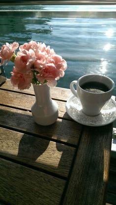 Karsiyaka da kahve keyfi ayridir ;)