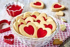 Ciasteczka z galaretką truskawkową i białą czekoladą Biscotti, Gingerbread Cookies, Food And Drink, Cooking Recipes, Easter, Chocolate, Cake, Sweet, Gingerbread Cupcakes