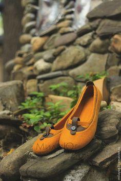 """Купить """"Осени янтарь"""" туфельки балетки валяные - рыжий, коричневый, осень, валяные тапочки"""