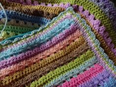 @ - Lucy's Cupcake Stripe Blanket - free tutorial links for blanket… Striped Crochet Blanket, Striped Cushions, Crochet Blocks, Free Crochet, Crochet Baby, Knit Crochet, Knitted Afghans, Knitted Blankets, Crotchet Patterns